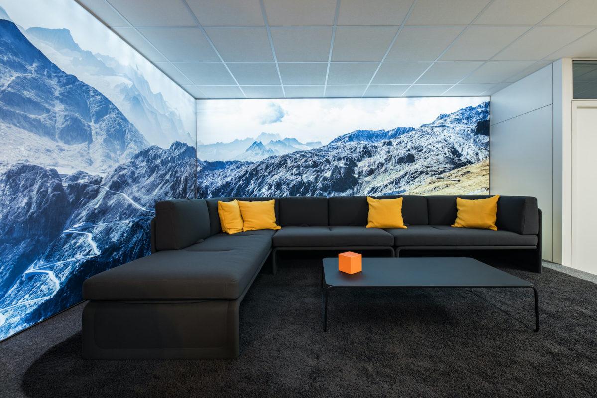 Lounge mit Bergpanorama